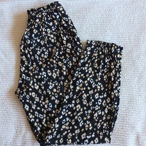 Zara Basic Collection Viscose Trousers floral smal